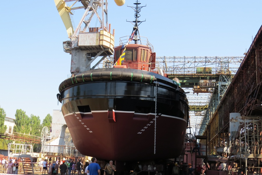 Kherson Shipyard Floats out First Tugboat for Kirgan Holding