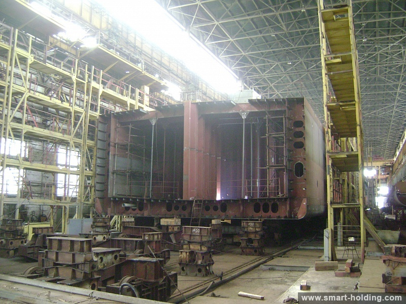 More Than Half of Cylindrical Section of Tanker Hull Assembled at Nikolayev Shipyard of SMG